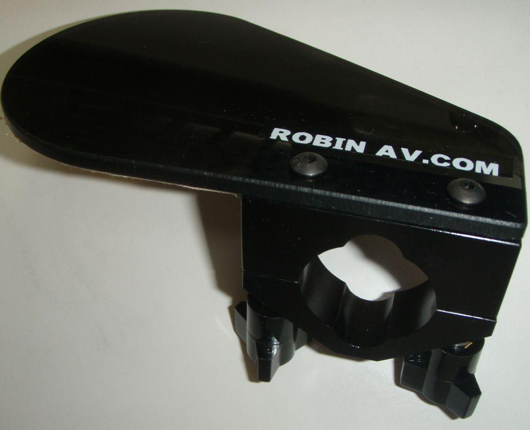 robinaircom1.jpg